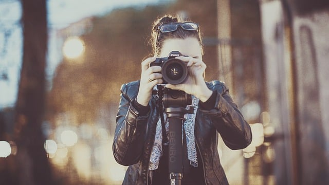 Kuvassa aloittava valokuvaaja